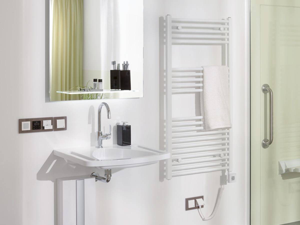 elektrische badkamerradiator recht h=906mm b=500mm RAL9016 500Watt ...